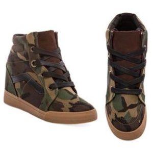 Vans Sk8-Hi Wedge Sneaker